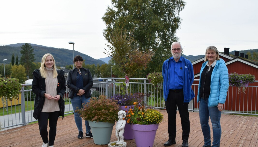 Stortingsrepresentant Mari Holm Løseth, Magnar Dalsegg og Hege Gåsvand fra Rindal Høyre, og rådmann i Rindal Birgit Reisch.