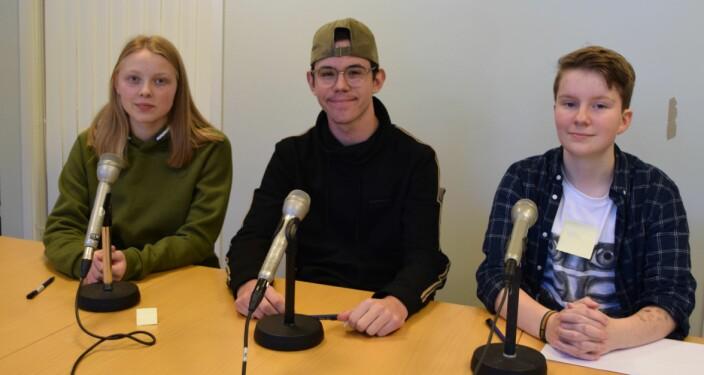Kjersti Marie Slettvåg Løkås, Preben Strand Husby og Ivan Bolmøyen Lorgen synes det er moro å delta i Klassequizen.