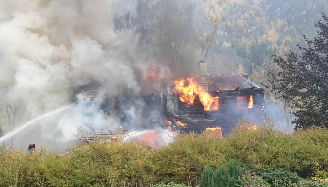 Brannslukkingsarbeid i Todalen fredag 2. oktober.
