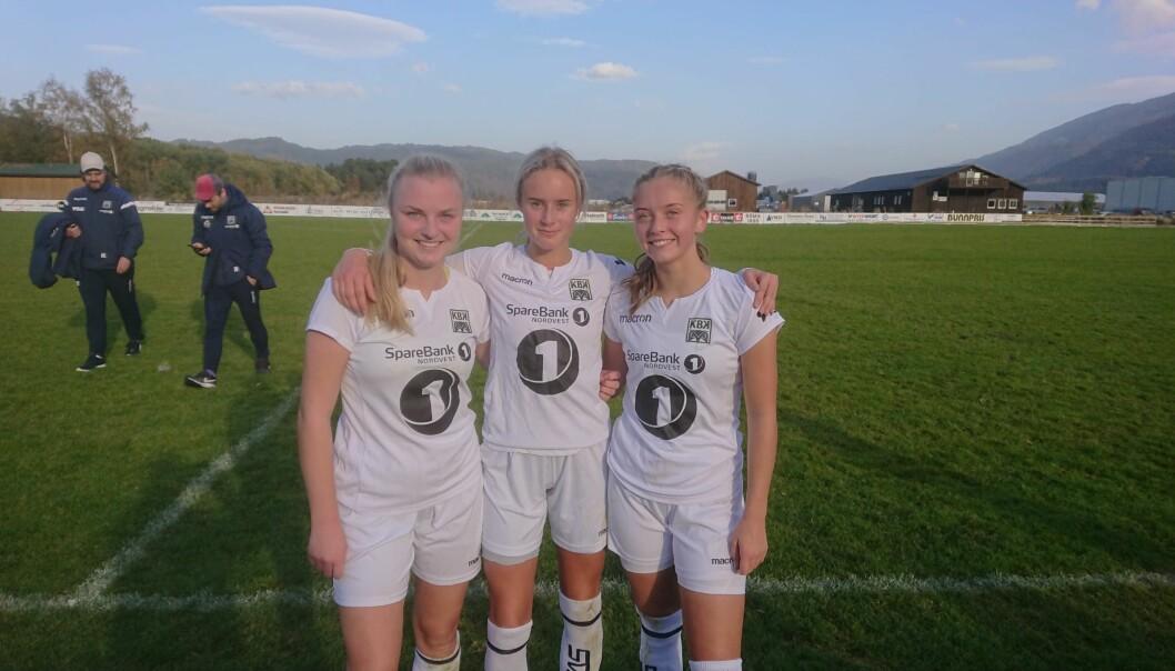 De tidligere Surnadal-spillerne Andrea Eide Naustbakk, Mia Settemsdal og Mari Aasbø Kvande, som nå spiller for KBK, hadde grunn til å smile etter 5-4-seier borte på Syltøran.
