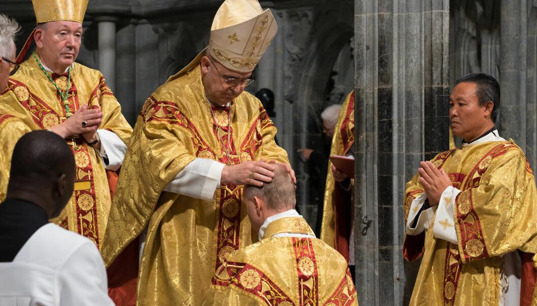 Erik Varden ble viet til biskop for Trøndelag katolske bispedømme i Nidarosdomen lørdag 3. oktober.