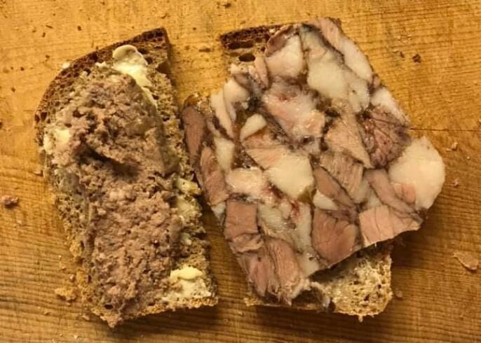 Heimelaga leverpostei og sylt på brødskiva, er det noko som smakar betre?