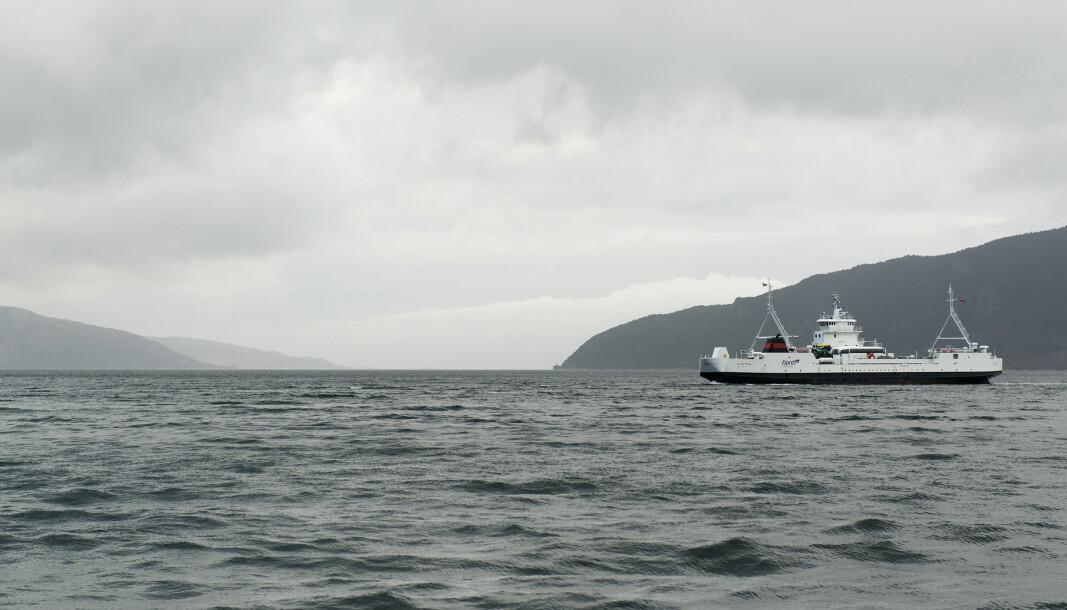 - Ordningen har fungert godt. Vi har redusert kontakten mellom passasjerer og mannskapet om bord på ferjene, og folk får betalt for seg på en trygg og enkel måte, sier samferdselsminister Knut Arild Hareide.