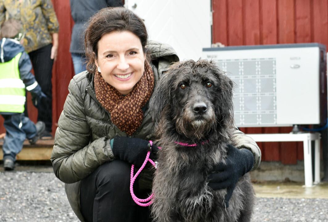 Jenny Klinge med hunden Rusky