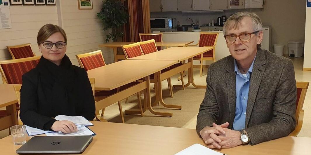 Ordførar Margrethe Svinvik og kommuneoverlege Bjørn Buan.