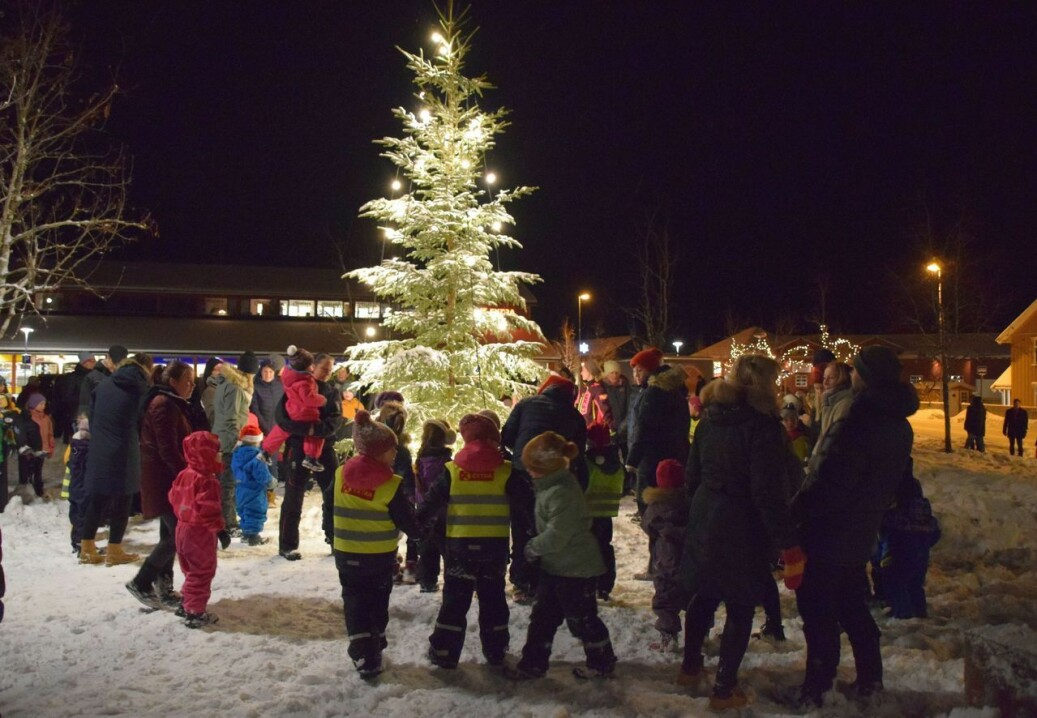 Julegrantenning i Rindal sentrum