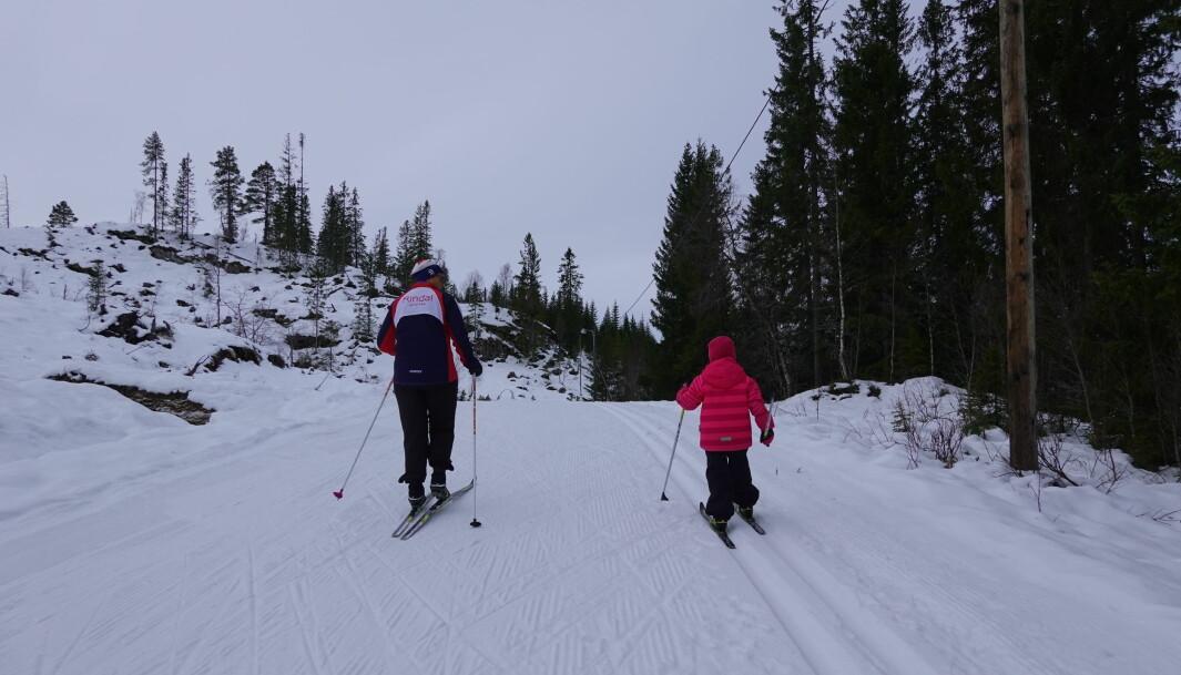 """I følge 5 år gamle Ada Hyldbakk Solvik, er løypene """"gode og myke"""". Og i følge bestemor Aud Solvik er løpene så fine og """"føret så skarpt"""", at en kan bli lurt til å tro at """"skiformen er bedre enn den er""""."""