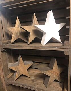 Stjerner og kasser fra Øyvind Solvik
