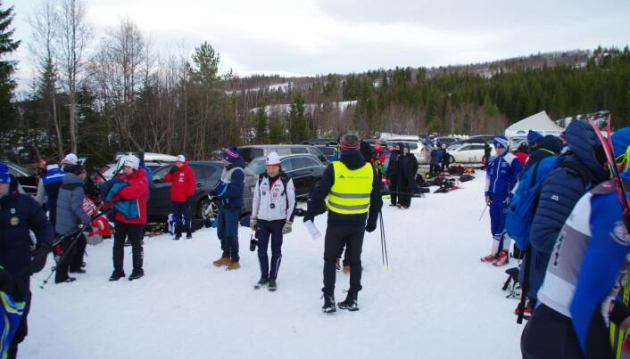 Det var folksamt, sjøl om rennet var delt i to kohorter med over ein times pause mellom oppmøta.
