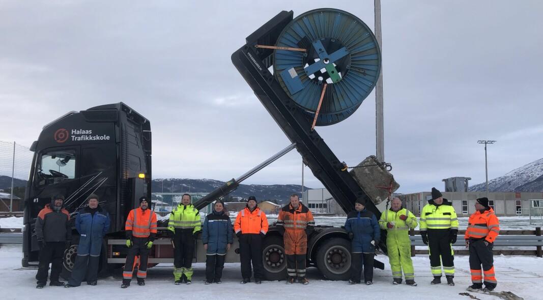 Kursdeltakere og instruktører er trygge på at lasten holder seg på plass