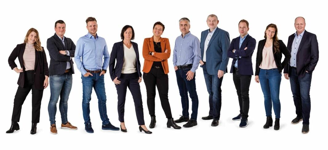 Varig Orkla forsikring har 10 ansatte. F.v. Caroline Næss, Joar Wuttudal, Per Kristian Mogstad, Sidsel Rian, Guri Fagerholt Kjørsvik, Lars Hele Hoston, Lars Wold Ree, Martin Kjøren, Berit Drugli, Frode Slupphaug.