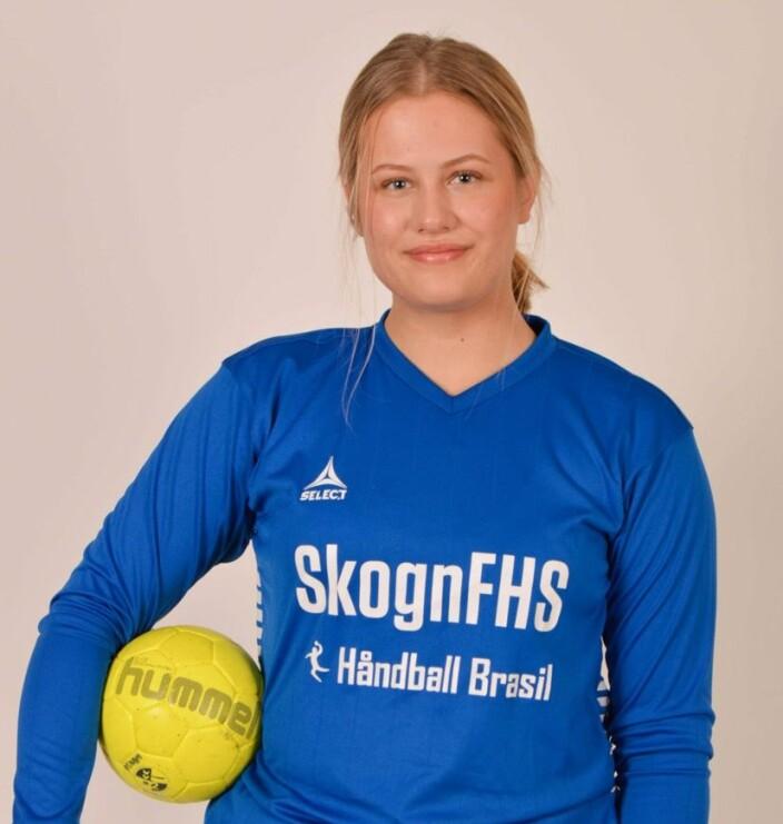 Vanja i handballdrakten fra Skogn FHS