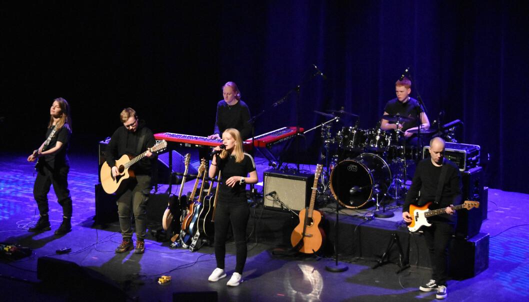ECHO: Ida Mo - Vokal, Johanne Holten - Tagenter og kor, Mette Madaus - Gitar og kor, Rune Dalager - Bass, Sigve Holten - Slagverk