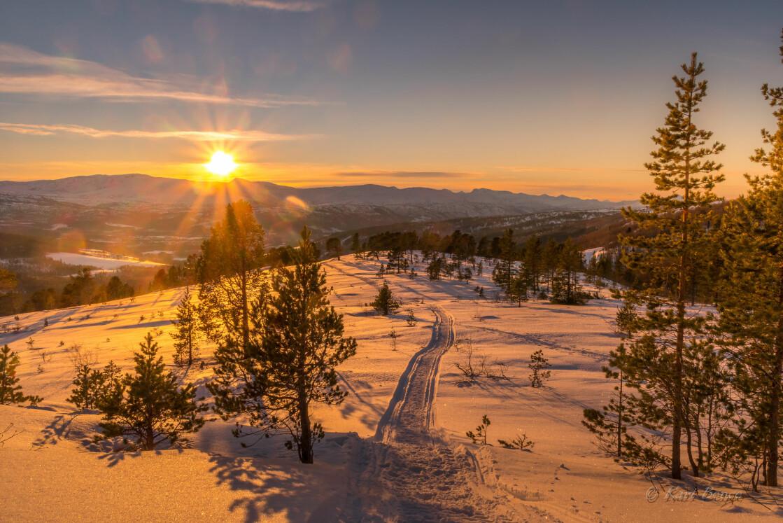 Solnedgang på tur ned åsen