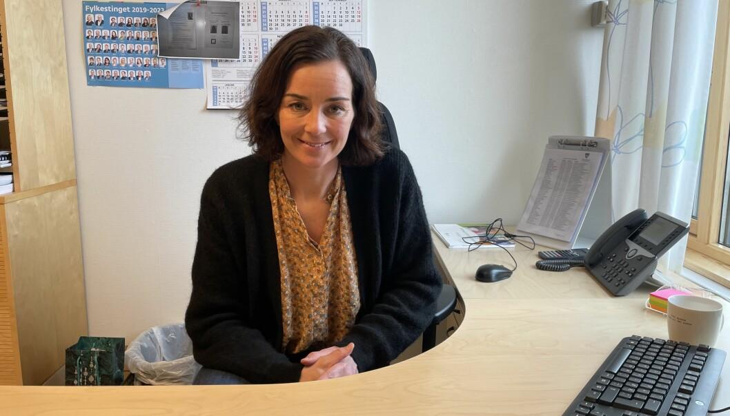Hilde Andersen er ny rektor ved Surnadal vidaregåande skole, og hadde sin første arbeidsdag måndag.
