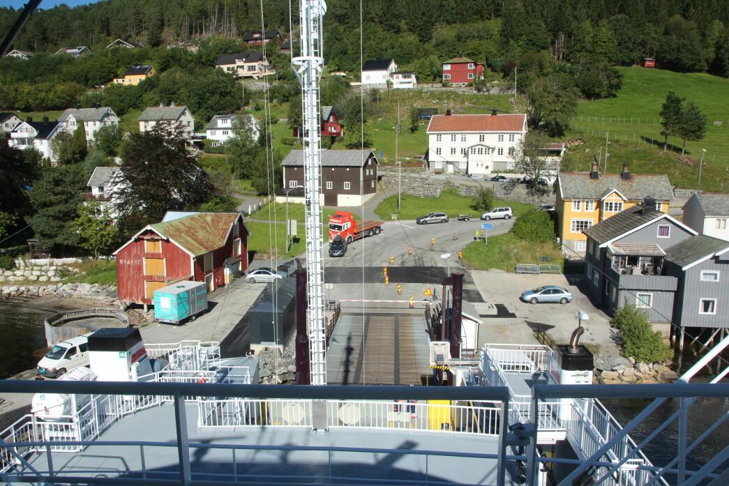 Kvanne ferjekai sett frå styrhuset på nyferja Stangvikfjord.