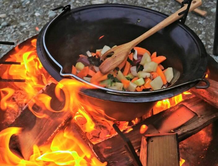 Mat over åpen flamme