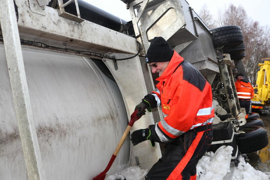 Bilberger-veteren John Rognskog var med på bilberging i Løfall onsdag.