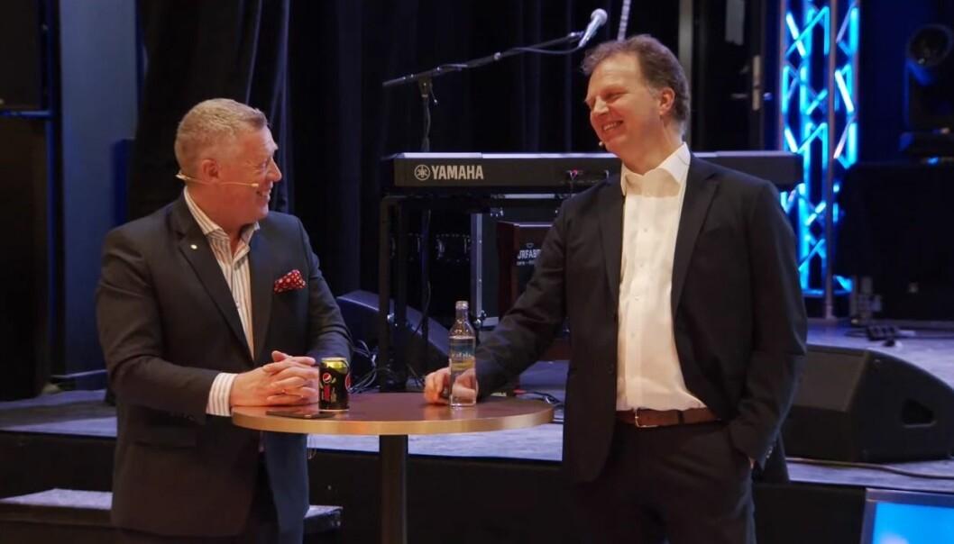 Odd Einar Folland (t.v.) og Allan Troelsen kunne mandag lansere SpareBank 1 Nordmøre, resultatet mellom sammenslåingen av SpareBank 1 Nordvest og Surnadal Sparebank.