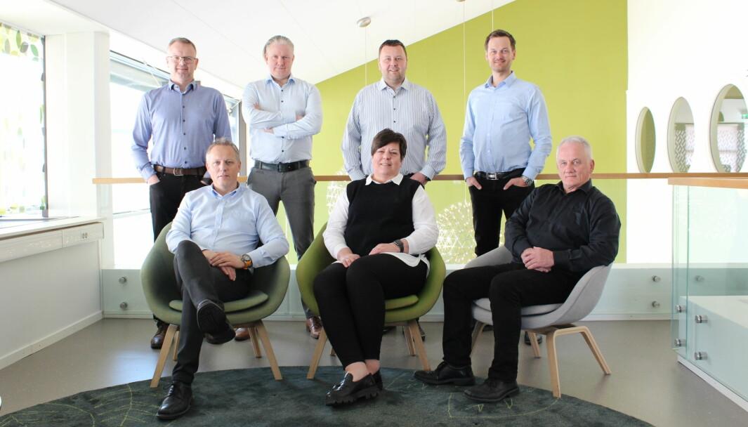 Foran fra venstre: Steinar Aasbø, Bjørg Aa, Svein Tidemann. Bak fra venstre: Lars Arnold Forseth, Tom Andre Sande, Rune Rossing, Torgrim Schaanning
