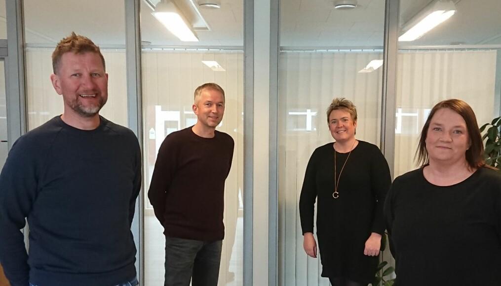 Styret i Sparebankstiftelsen Surnadal Sparebank: Nils Inge Aasgård (f.v.), Lars Inge Kvande, Heid Snekvik og Mari Vattøy.