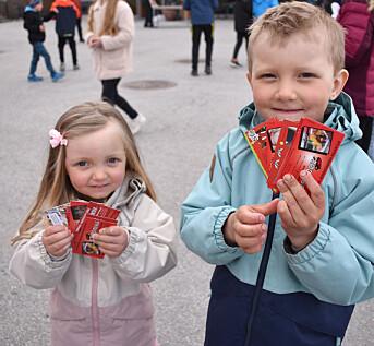 Aimy Dyrli (3) og Liam Dyrli (5) fikk samlet mange russekort