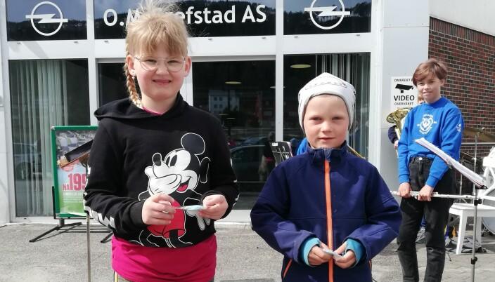 Maja Røen og Fabian Rwick fikk si første stjerne og aspirantmedalje