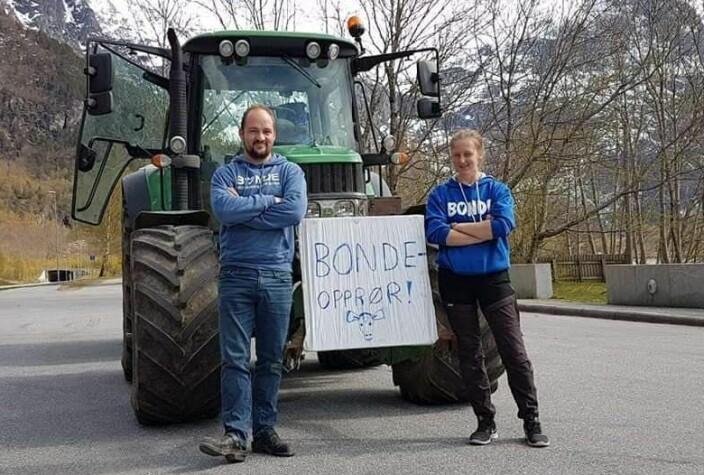 Tor Olav og Ingeborg klare til avreise.