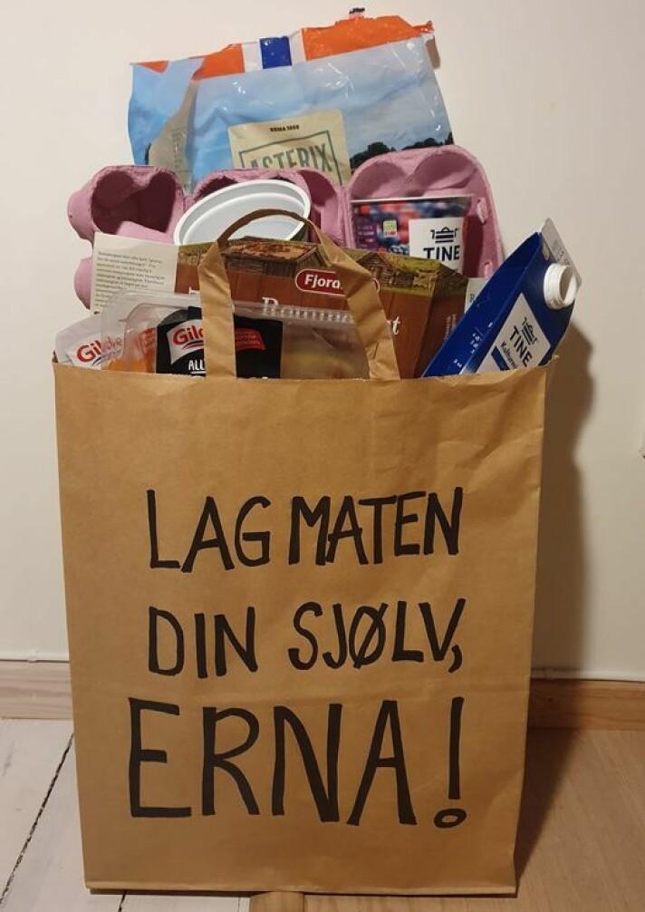 Dette budskapet tok de med seg til Oslo, en matpose med tom emballasje.