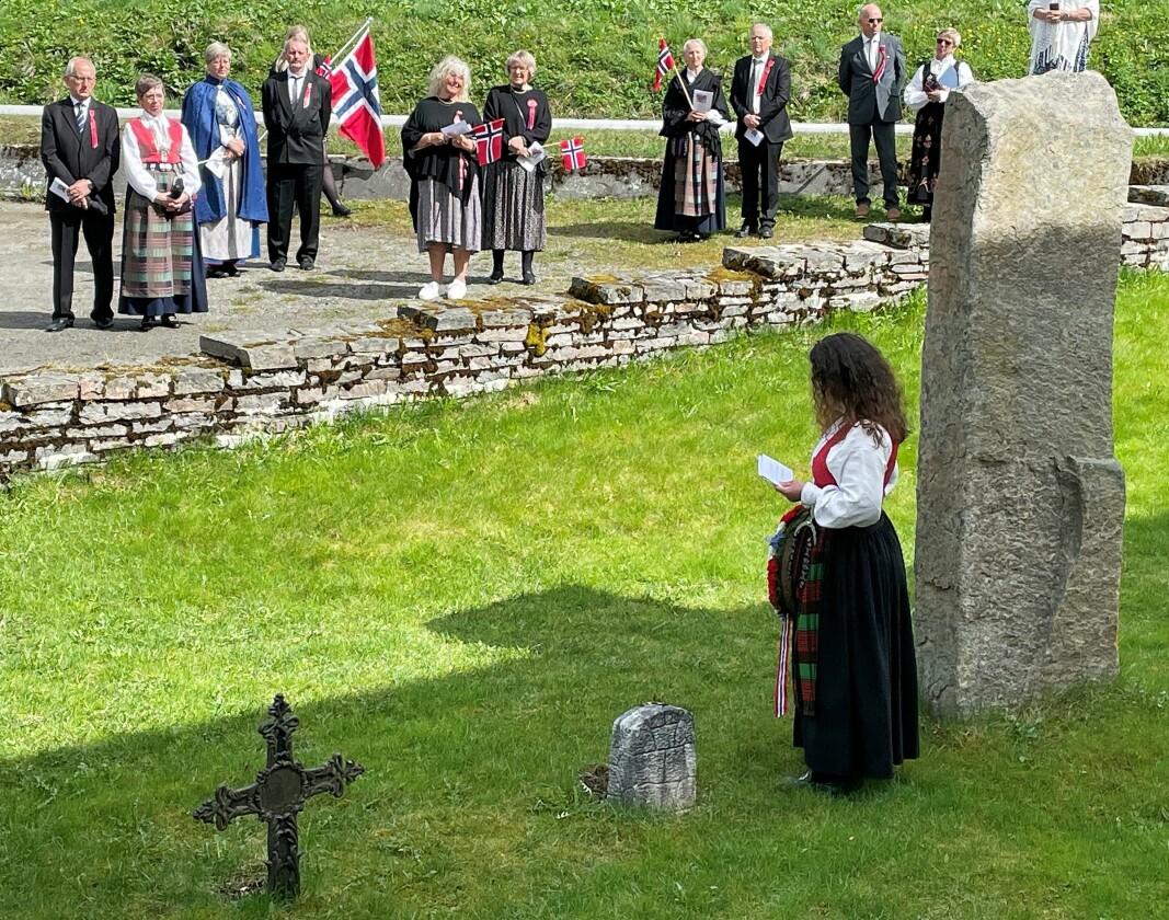 Gunhild Bøklep Bøe heldt ein gripande tale ved soldatbautaen.