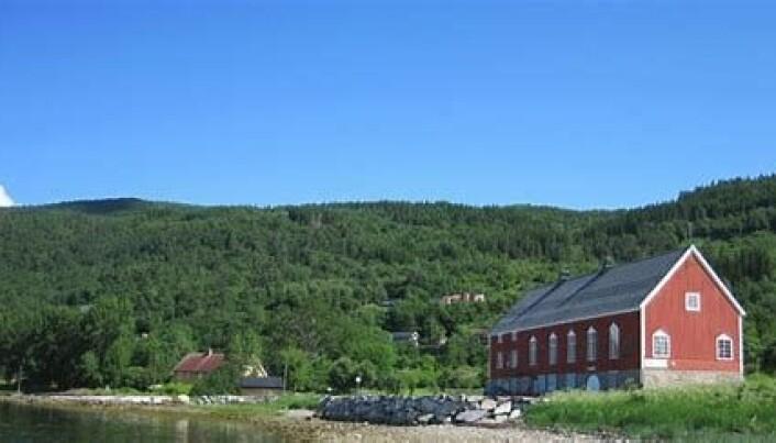 Bondhuset ligg vakkert til i Stangvik