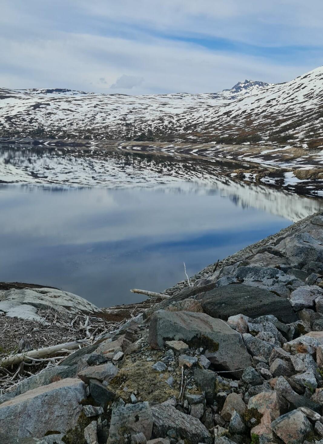 Morgenbilde fra Gråsjøen. Med snota i bakgrunnen.