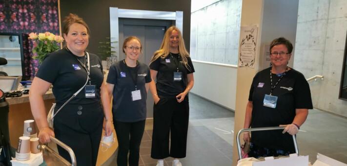 Kaffelag: Disse fire damene sørget for kaffe og kake. Karin Åsbø, Ingvild Kårvatn, Anne Lise Wullum og Linda Torvik