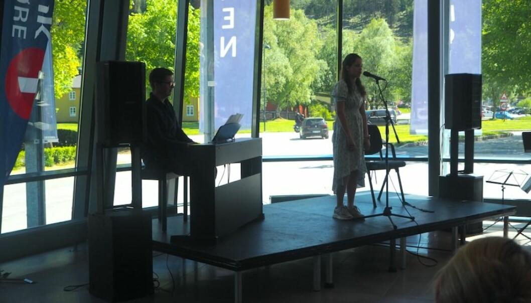 Brage Einum og Hedda Moen Gjerstad fra Surnadal og Rindal kulturskole