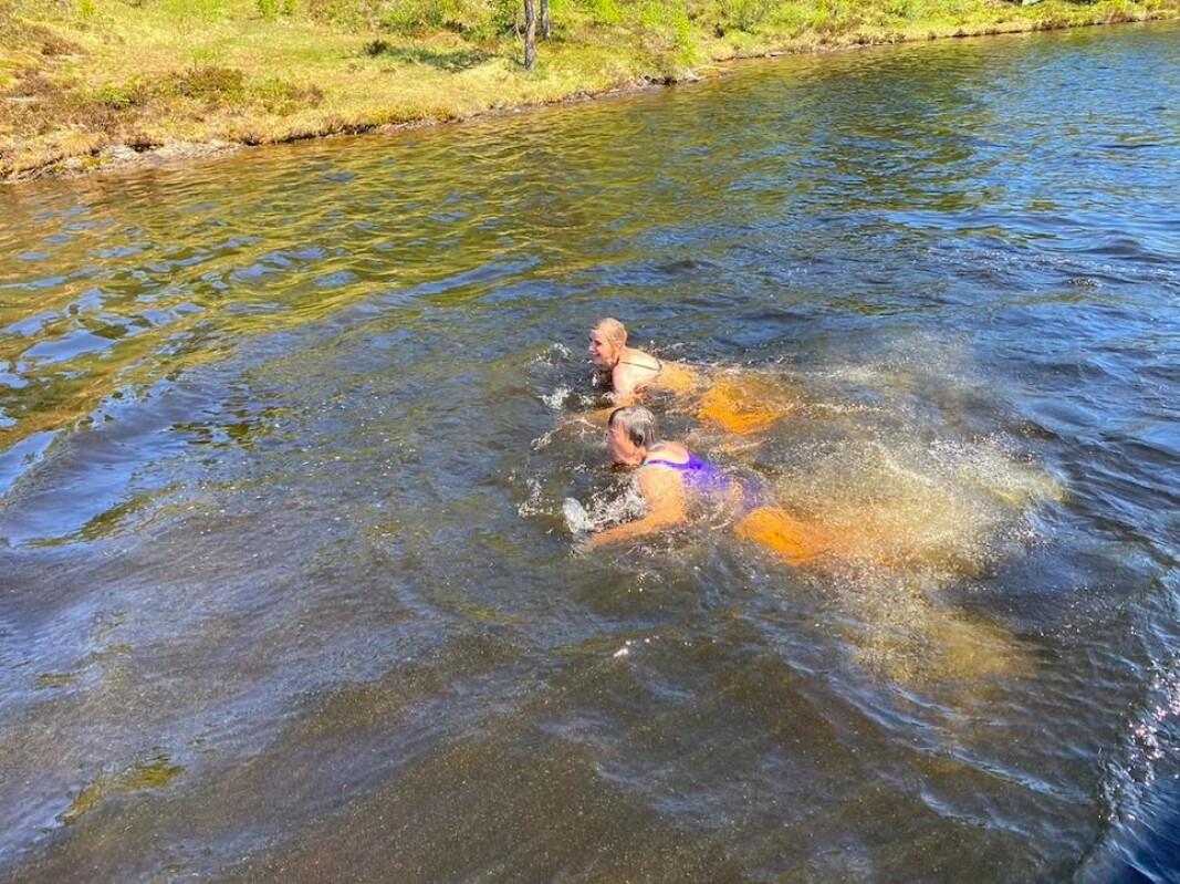 Bad i Langvatnet gjør godt