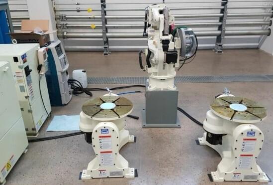 Målet med de to digitale kompetansesentrene i Midt-Norge er blant annet at lokale bedrifter skal kunne se-, og ikke minst teste-, industriroboter i praksis.