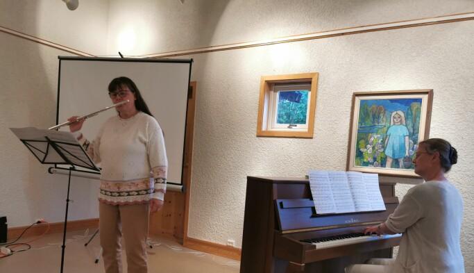Tove Elin Strand akkompagnert av Oddveig Helset Halle
