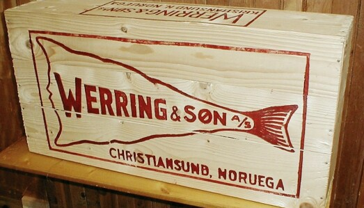 Ein fabrikk i Bøfjorden laga slike kassar til eksport av kleppfisk.