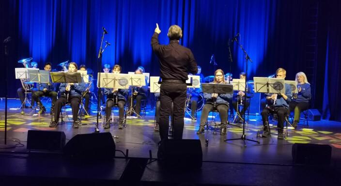 Kristiansund Skolekorps med dirigent Torgeir Andresen