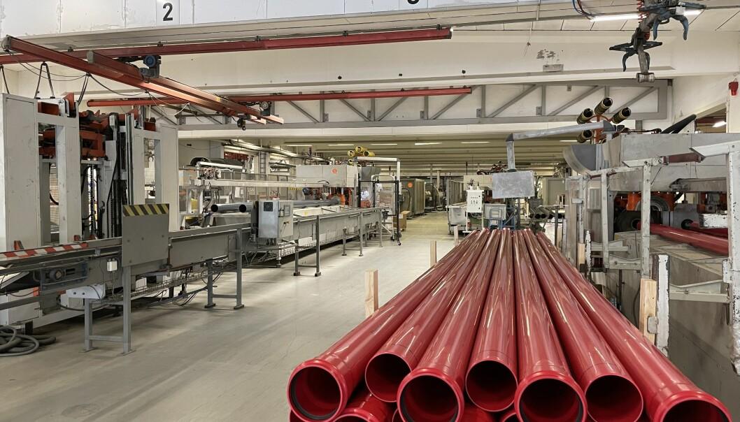 Ti produksjonslinjer ved fabrikken i Surnadal vil bli automatisert.
