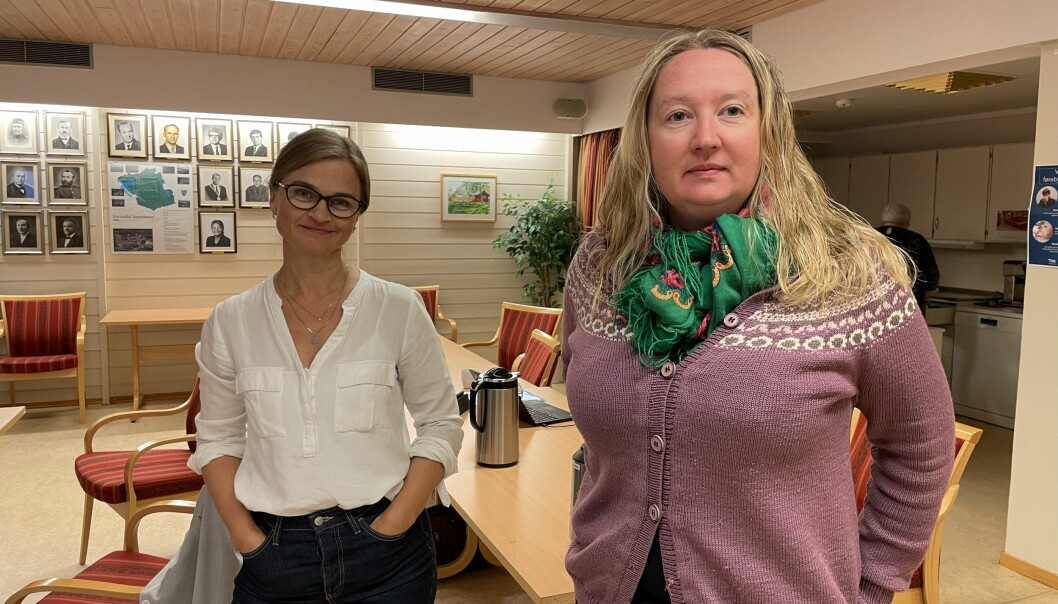 Ordførar Margrethe Svinvik (Sp) og Rakel Polden (Ap).