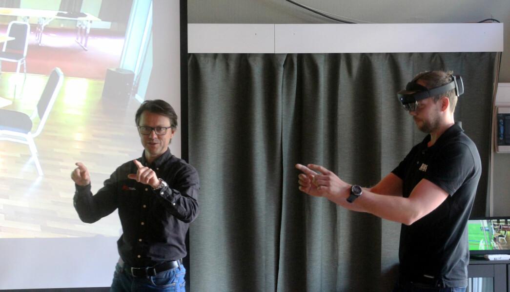 Jøran Brauten fra KIAS (t.h.) var blant de heldige som fikk teste ut MIL og Svein-Inge Baade Ringstads (t.v.) budskap i praksis.