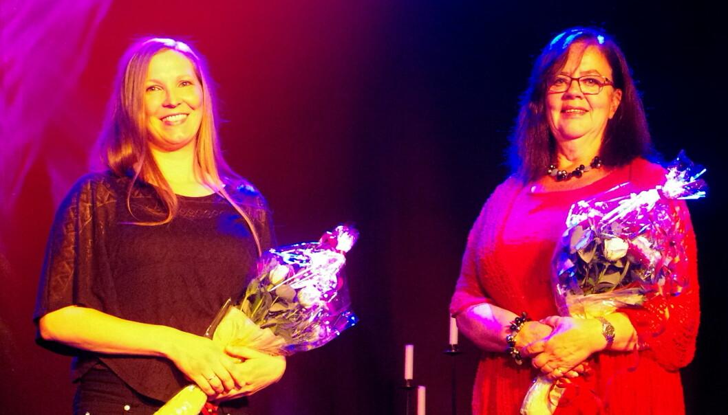 Pianist Hedda Hansen Berg og messosopran Turid Røen Kroknes fekk velfortent blomster