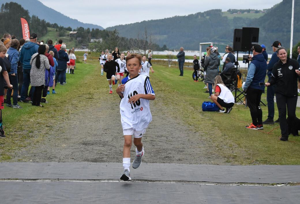 Niklas Holten (8) løp fra alle i Miniræta