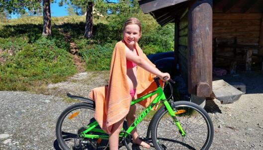 Alva Lisa Botten var godt fornøyd etter å ha hoppet fra brygga flere ganger.
