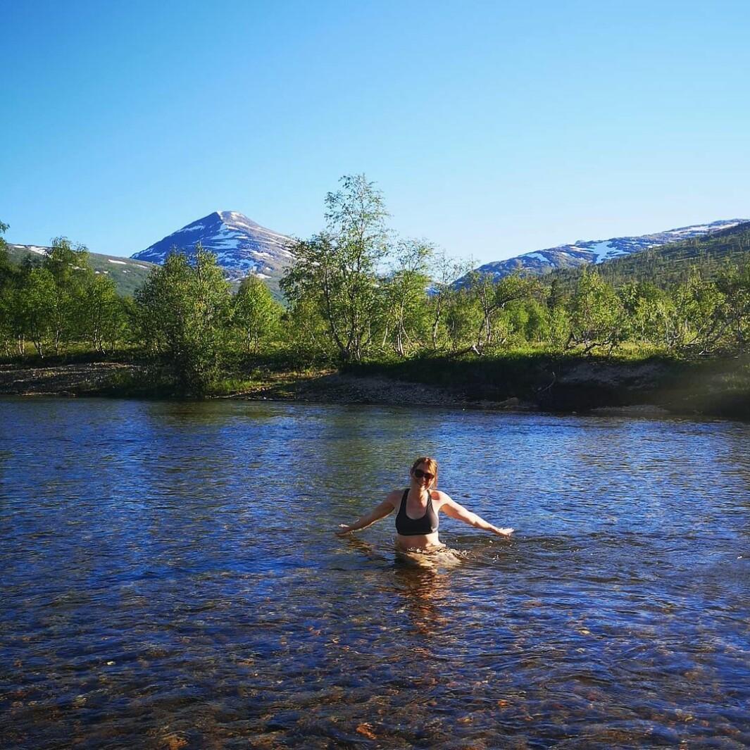Årets første bad i yndlingselva mi, Vindøla i Vindøldalen 🤩