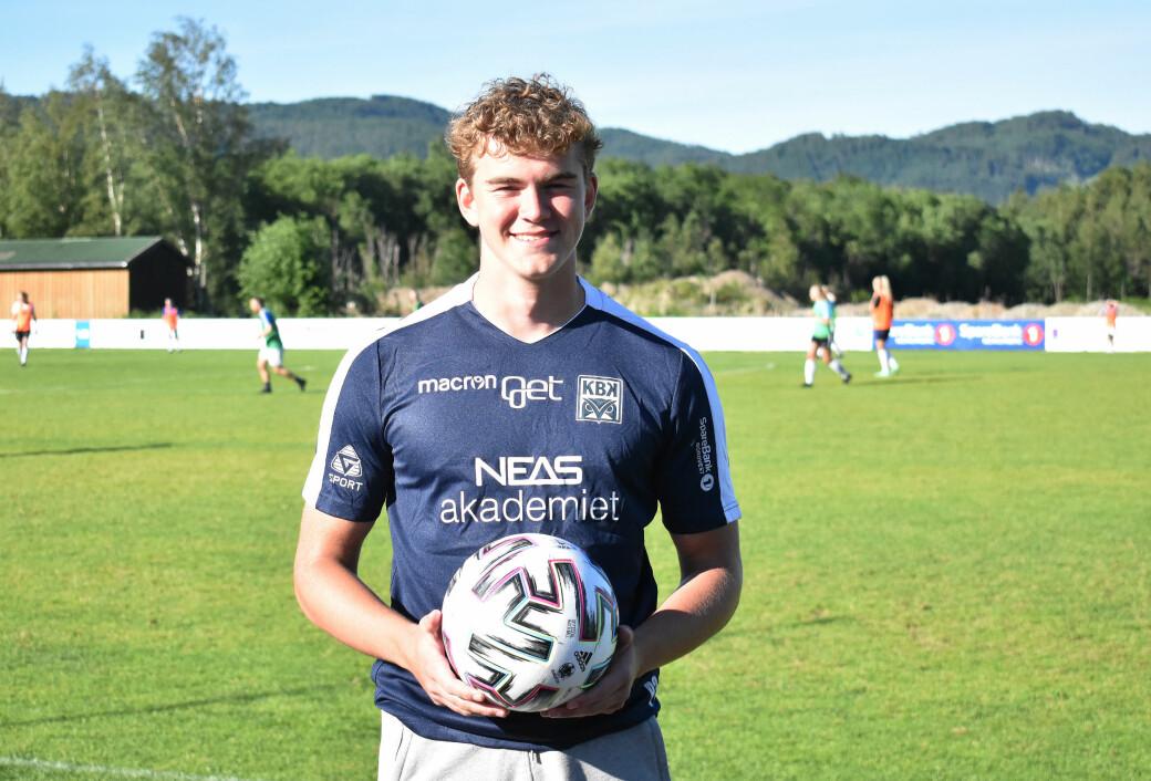 17-åringen fra Surnadal skal spille for Nordmøres beste fotballklubb