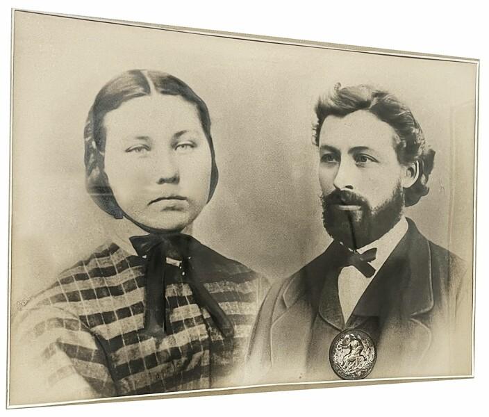 Nybyggjarane: Tomine (f. Vullum; 1845-1928) og Martinus Sollid (1842-1926) dyrka innmark, reiste bygningane på nye tufter og moderniserte husdyrstellet.