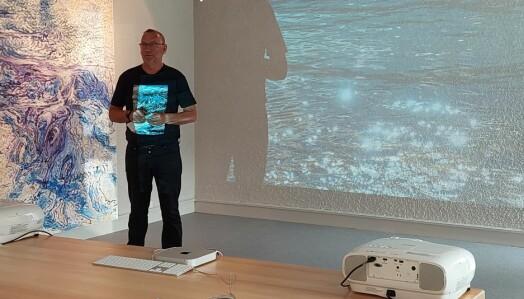 Lars Skrøvseth åpnet utstillingen