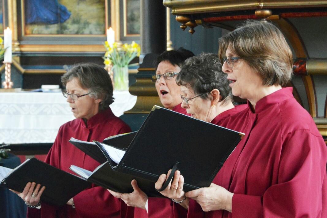 Desse og fleire frå Prosjekt 17 syng gregoriansk og folketonar. Frå venstre Kari Sæther, Kirsten B. Bøe, Inger Garthe og Randi V. Bøe.